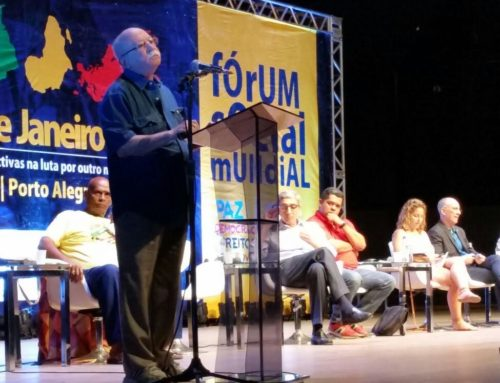 O Fórum Social Tematico discute  'Democracia e desenvolvimento em tempos de crise e golpismo'.