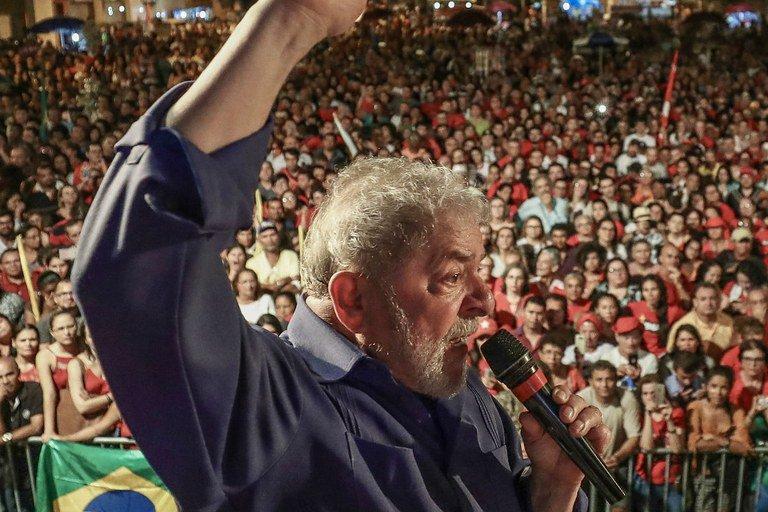 Lula não para de crescer: vale tudo para abatê-lo
